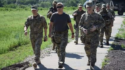 Данилюк с делегацией СНБО приехал на Донбасс: фото и видео