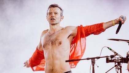 Святослав Вакарчук обнажил торс в Тернополе: певец принял участие в утреннем забеге