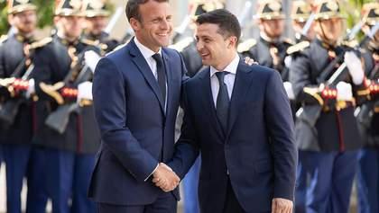 Зеленский и Макрон обсудили захват Россией украинских моряков