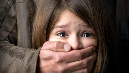 У Запоріжжі зґвалтували 12-річну дитину в під'їзді: зловмисника затримали