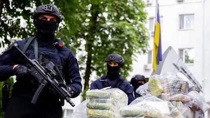 Полицейские изъяли почти полтонны кокаина стоимостью 60 миллионов долларов: фото и видео