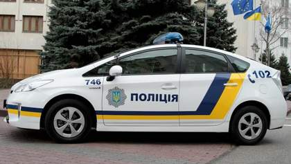Чоловік викрав поліцейське авто під час затримання іншого правопорушника на Київщині