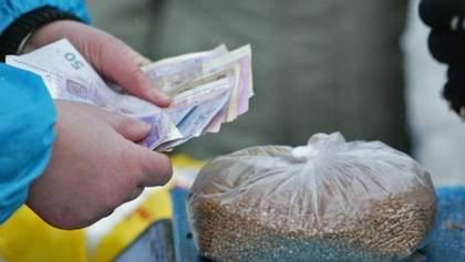 Чем мажоритарщики подкупают избирателей: фото и видео