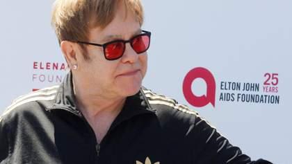 Элтон Джон отмечает 29 лет со дня, когда он вылечился от алкогольной зависимости