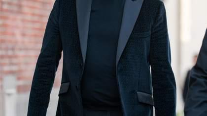 65-річний Джон Траволта станцював запальну сальсу в кліпі Pitbull: сексапільне відео