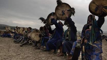 За тушение пожаров в Сибири взялись шаманы: курьезное видео