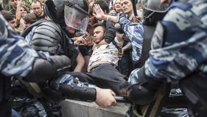 Кровавые митинги в Москве: Путин пытается отыграться за поражение в Киеве