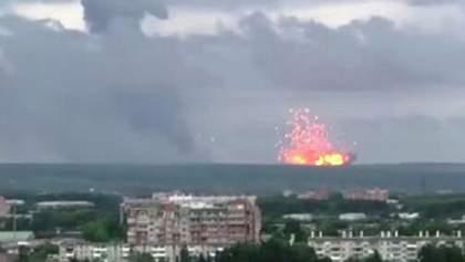 Пожежу на військовому складі під Ачинськом загасили, вибухи припинились