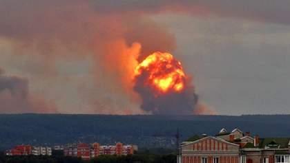 Взрывы на военных складах в России: погиб человек