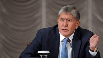 Екс-президента Киргизстану з боями намагалися затримати спецпризначенці: фото та відео 18+