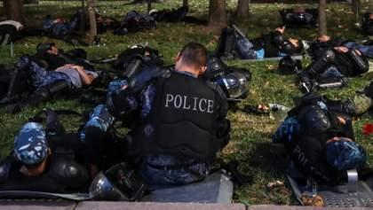 Разбитый покой: мировые СМИ о штурме резиденции экс-президента Кыргызстана