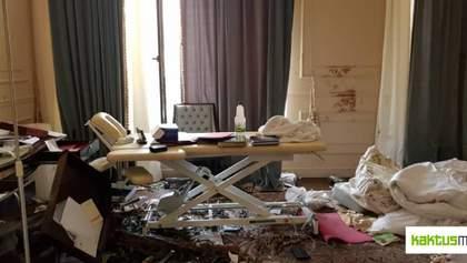Хаос і плями крові: як виглядає будинок екс-президента Киргизстану Атамбаєва після його арешту