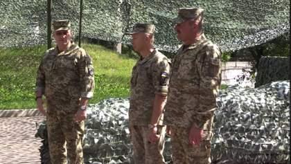 Хомчак представив особовому складу командувача ОС Кравченка: відео