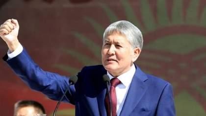 Екс-лідера Киргизстану Атамбаєва звинувачують у підготовці перевороту і вбивстві поліцейського