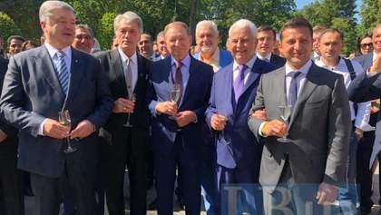 Порошенко таки присоединился к Зеленскому во время празднования Дня Независимости: фото