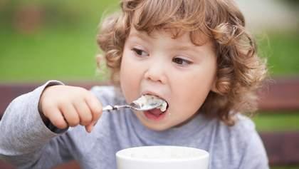 Чому не варто підігрівати їжу дітям