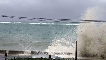 """Мощный ураган """"Дориан"""" добрался до Багамских островов: потрясающие видео"""