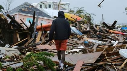 """Ураган """"Дориан"""" грозит более 20 миллионам людей: последние новости"""