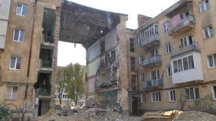 Обвал будинку в Дрогобичі: як люди забирали свої речі з аварійних помешкань