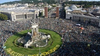 В Барселоне более полумиллиона человек вышли на митинг за независимость Каталонии: фото