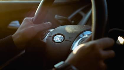 Ford обладнає свої авто пересувним кінотеатром