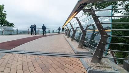 """На этот раз мопед: на """"мосту Кличко"""" поймали пьяного правонарушителя – фото"""