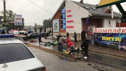 В Броварах полицейский въехал в остановку: есть погибшие