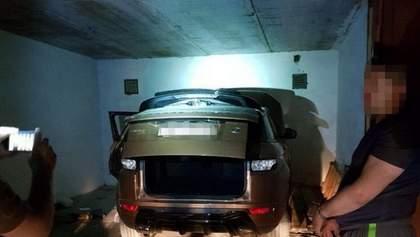 Причетний навіть поліцейський: знайшли банду викрадачів елітних авто