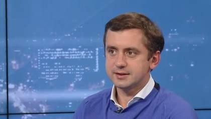 Вони всі змагаються за вплив на Зеленського, – політичний експерт про відставку Данилюка