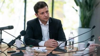 """Зеленський відповів на запитання від Шарія про закриття """"Миротворця"""""""