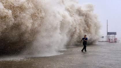 На Японию надвигается самый мощный за 60 лет тайфун Хагибис