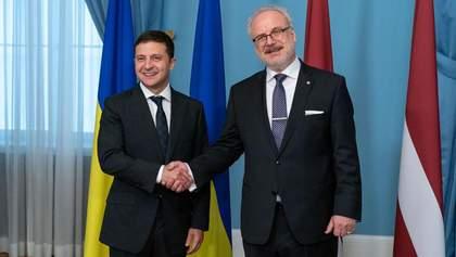 """Зеленський у Латвії: працюватимемо над поверненням в Україну """"злочинних грошей"""" Януковича"""