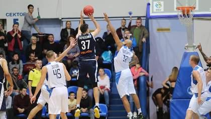 """Баскетболісти """"Миколаєва"""" здобули першу перемогу в сезоні, вигравши з різницею в одне очко"""