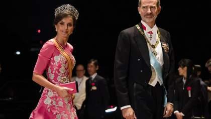 Як діснеївська принцеса: королева Іспанії Летиція одягнула пишне рожеве плаття в Японії – фото