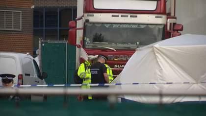 Грузовик полный трупов нашли в Англии, среди них ребенок: фото, видео