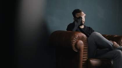 Як зберігати відчуття спокою та втримати баланс перед негативними думками: поради коуча