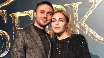 """Соліст гурту """"Антитіла"""" Тарас Тополя зізнався, як познайомився зі своєю дружиною"""