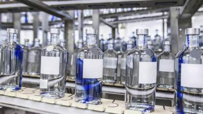 Со спиртом не меньше проблем, чем с землей, но правительство обещает сделать отрасль прозрачной