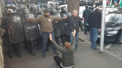 Протесты в Грузии: во время разгона протестующих полиция задержала почти 40 человек