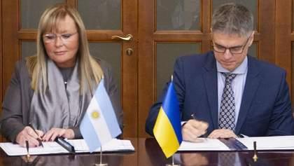 Украина расширила безвизовый режим с Аргентиной