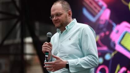Бородянський пояснив, хто зможе позбавити журналістів статусу