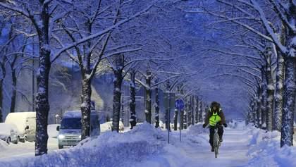 Зимой ученики ездят на учебу на велосипеде – пример финской школы: фото
