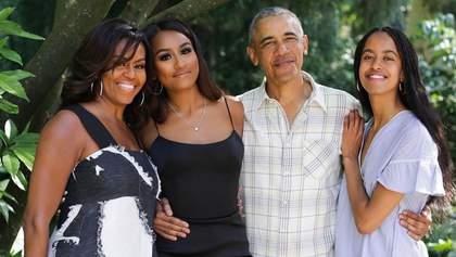 Мішель і Барак Обами привітали з Днем подяки: рідкісне фото з дорослими доньками