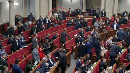 Депутати Бужанський і Лерос влаштували бійку в Раді: подробиці конфлікту