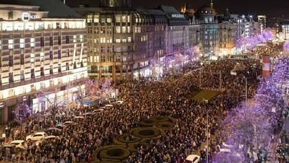Протесты в Праге: тысячи людей требуют отставки премьер-министра Чехии