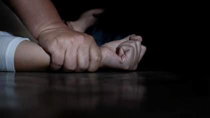 Пенсионера подозревают в развращении второклассницы на Тернопольщине