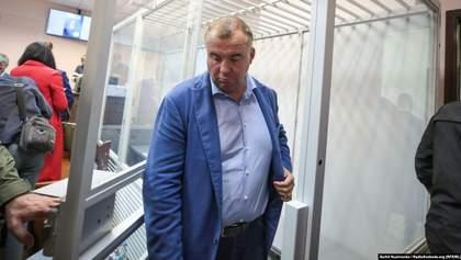 Суд дозволив зняти електронний браслет з Гладковського