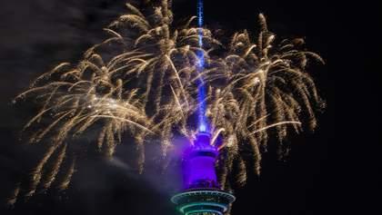 Нова Зеландія вже зустріла Новий рік: яскраві фото