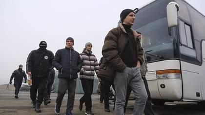 Убивці полковника СБУ, 14 росіян і терористи: ЗМІ назвали імена 44 осіб, відданих на обмін
