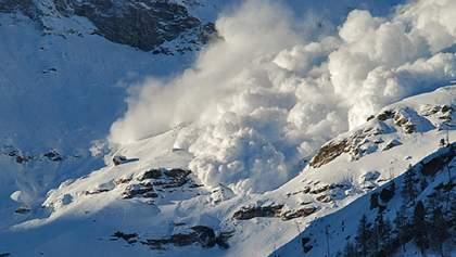 Возможны снежные лавины: на Рождество в украинских Карпатах объявили штормовое предупреждение